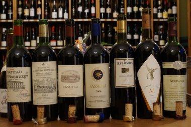 Geschenkgutschein Spitzenweine aus Frankreich, Italien und der neuen Weinwelt